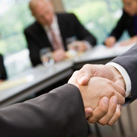 Jak zabezpieczyć się przed nieuczciwymi partnerami biznesowymi?