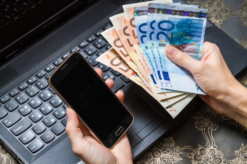 3 sposoby na pozyskanie pieniędzy w Internecie