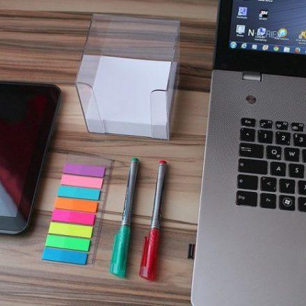 Artykuły biurowe oraz urządzenia do biur